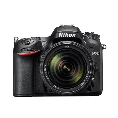 Nikon D7200 + Kit 18-140mm VR