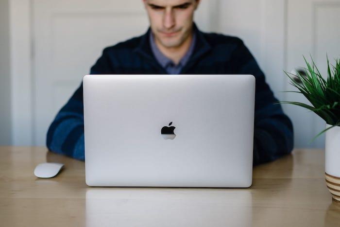 Macbook Pro MPTW2 Cũ